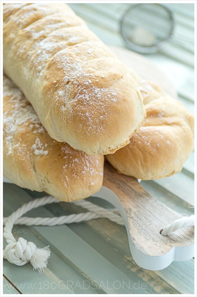 Schnelles Baguette - Einfaches Rezept für ein frisches Brot