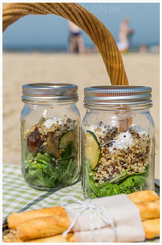 Quinoa Antipasti Salat mit Ziegenfrischkäse