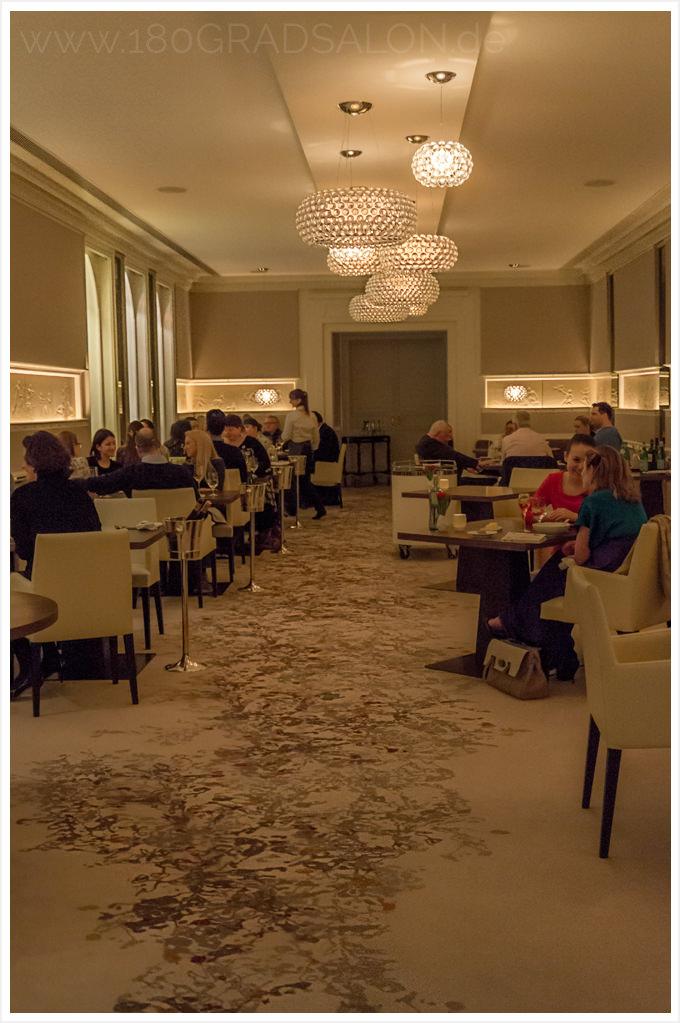Restaurant Schwarzreiter Kempinski Hotel Vier Jahreszeiten München foodblogaward 180gradsalon