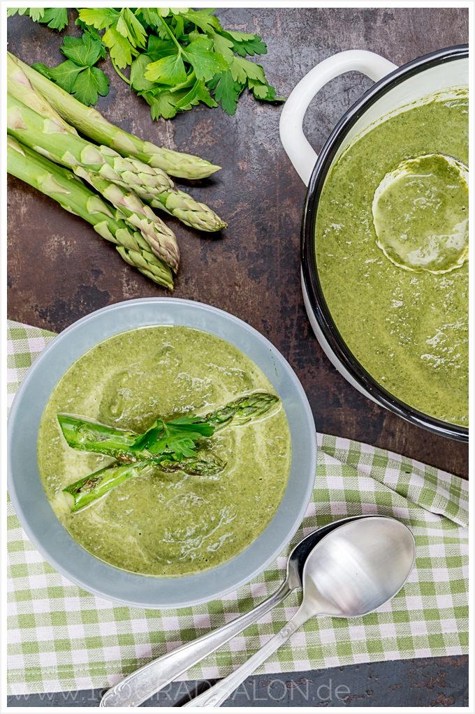 Rezept für Kohlrabi Spinat Suppe mit gebratenem grünen Spargel 180gradsalon