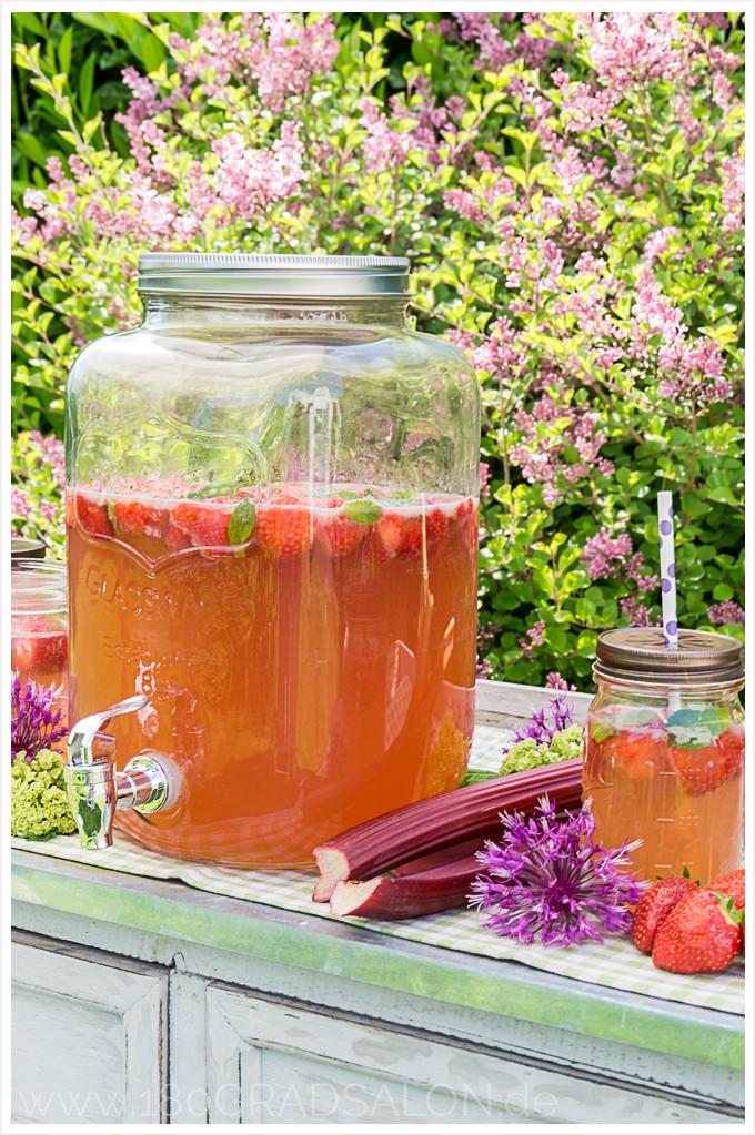 Rhabarber Erdbeer Bowle Rezept Sommerbowle Sommer Sommergetränk mit Alkohol 180gradsalon