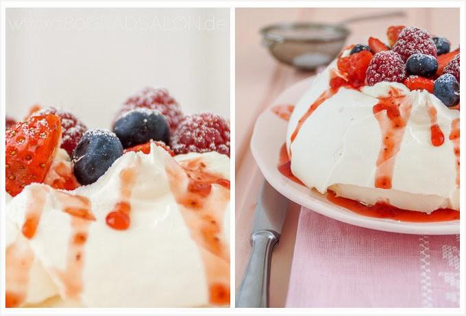 Rezept Pavlova Beeren Erdbeeren Himbeeren Johannisbeeren Sahne