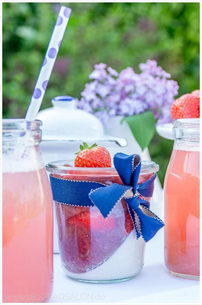 Rezept Kokos Panna Cotta Rhabarber Erdbeermus Erdbeeren