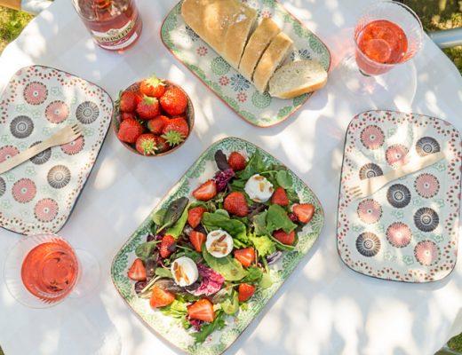 Wildkräutersalat mir Erdbeeren und Ziegenfrischkäse Rezept