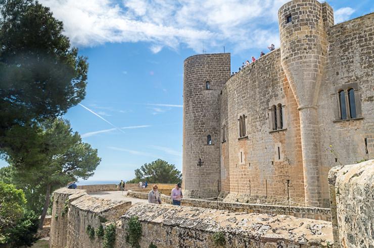 Castell de Bellver Mallorca im Winter und Advent, Weihnachtsmarkt, Wandern, Silvester, Kurztrip, Palma de Mallorca, Urlaub, Tipps