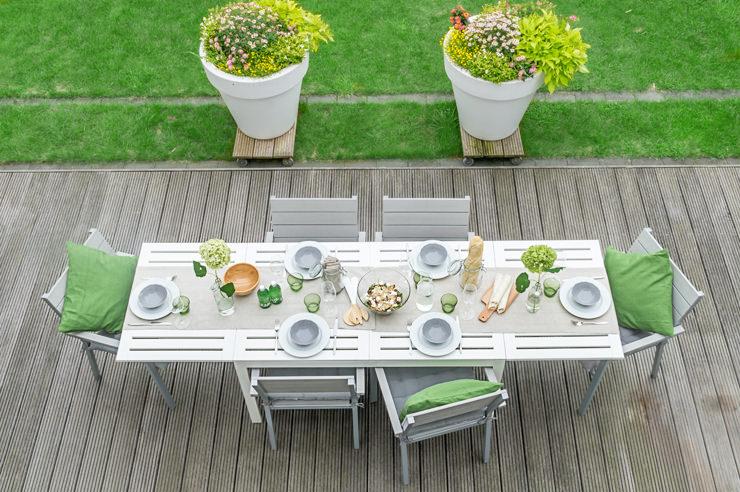 Gartenparty Im Sommer Mit Neuen Gartenmobeln Und Tischdeko