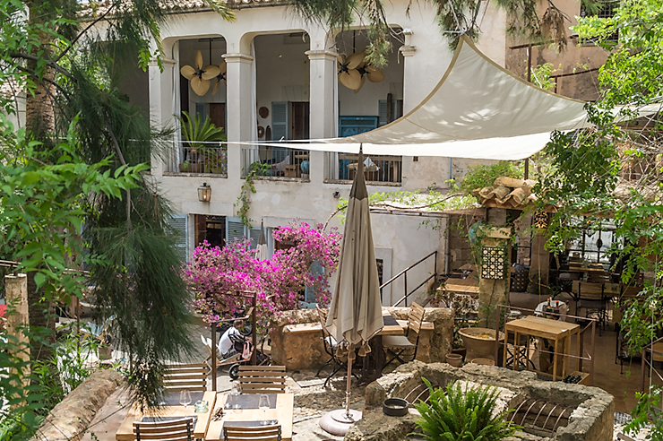 Livingdreams mallorca und das bistro 19 in santa maria del for Bistro del jardin mallorca