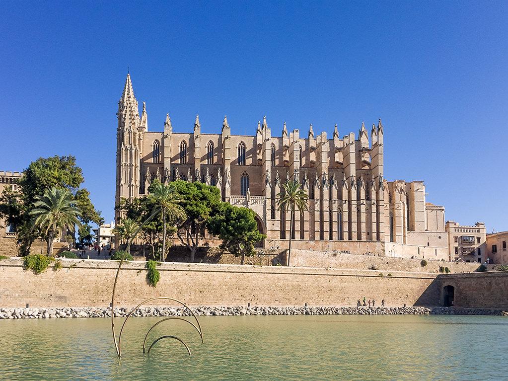 Mallorca im Herbst September Oktober November Wandern Baden Warme Temperaturen