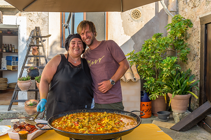 Mallorca bestes original Paella Rezept Lazy Finca Felanitx Showcooking