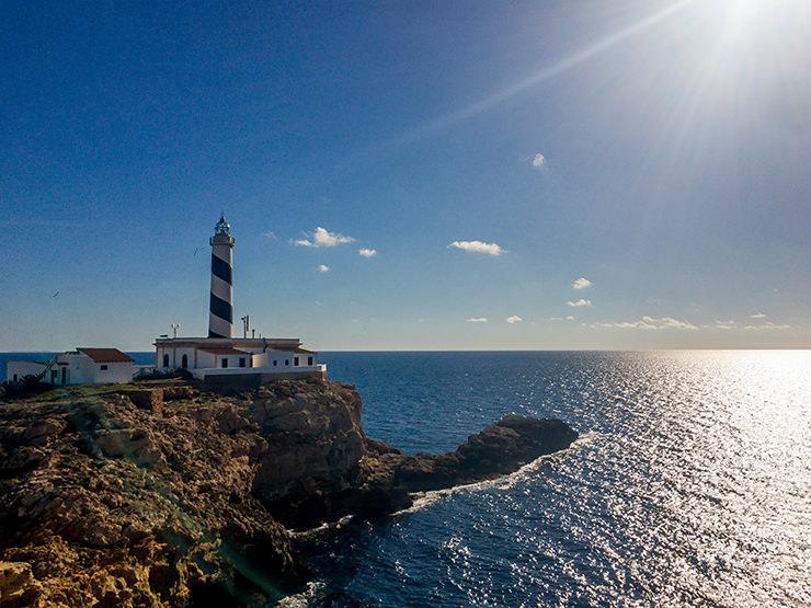 Mallorca im Winter undMallorca im Winter und Advent, Weihnachtsmarkt, Wandern, Silvester, Kurztrip, Palma de Mallorca, Urlaub, Tipps, Leuchtturm Cala Figuera