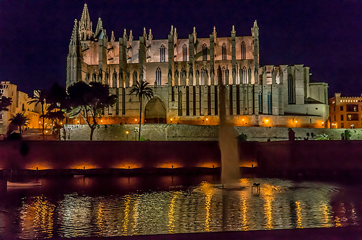 Mallorca im Winter und Advent, Weihnachtsmartk, Wandern, Silvester, Kurztrip, Palma de Mallorca, Urlaub, Tipps, Kathedrale La Seu