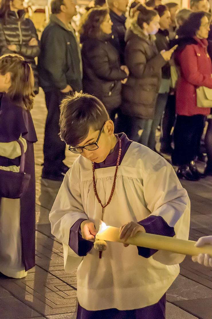 Mallorca Urlaub zu Ostern - Gründonnerstag Mallorca Osterprozession 2019 Semana Santa in Palma de Mallorca – Büßer tragen Kreuze, Kerzen und Altäre durch die Altstadt