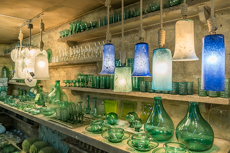 Mallorca Glasbläserei La Gordiola bei Algaida, Ausflug Tipp bei schlechtem Wetter und für hübsche Andenken. Handwerk auf Mallorca live erleben!