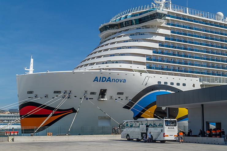 Aida Besichtigung in Palma de Mallorca. Die AIDAnova besichtigen inkl. Mittagessen. Alle Infos, Termine und Preise.