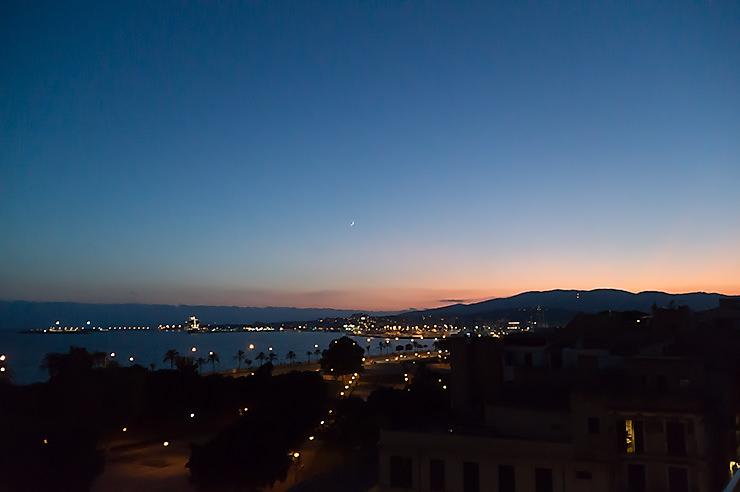 Mallorca Dachterrasse Almaq Rooftopbar in Palma auf dem Hotel Es Princep mit Meerblicksalon-