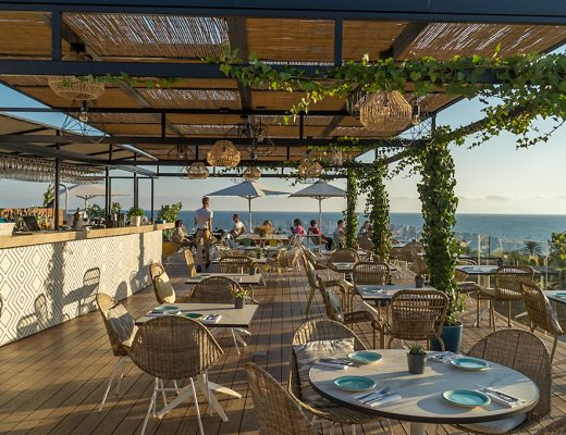 Mallorca Dachterrasse Almaq Rooftopbar in Palma auf dem Hotel Es Princep mit Meerblick